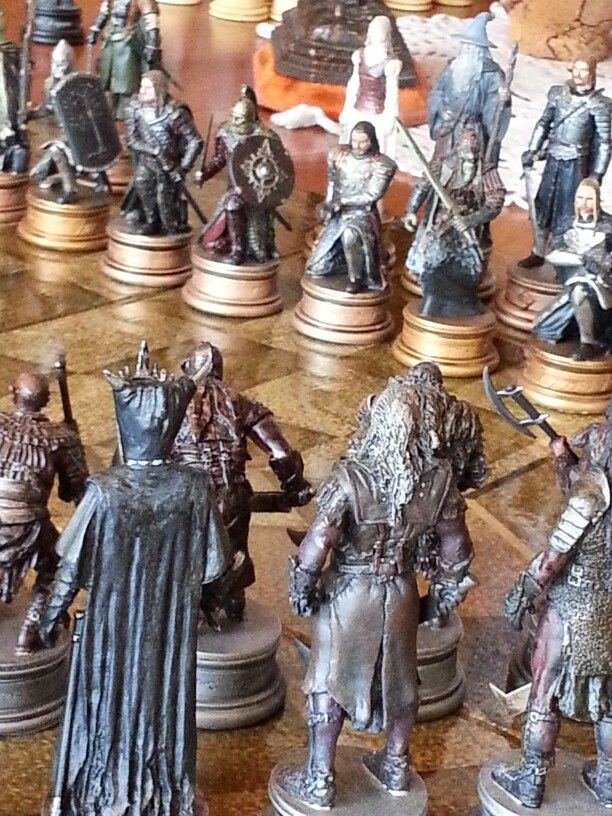 22 best images about chess set eaglemoss lord of the rings on pinterest cosplay knight and rings - Lord of the rings chess set for sale ...
