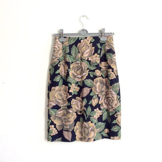 Vintage 90s pencil skirt // large floral by superqueenieretro