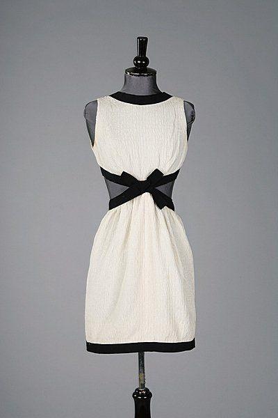 Dress Yves Saint Laurent, 1966 Kerry Taylor Auctions