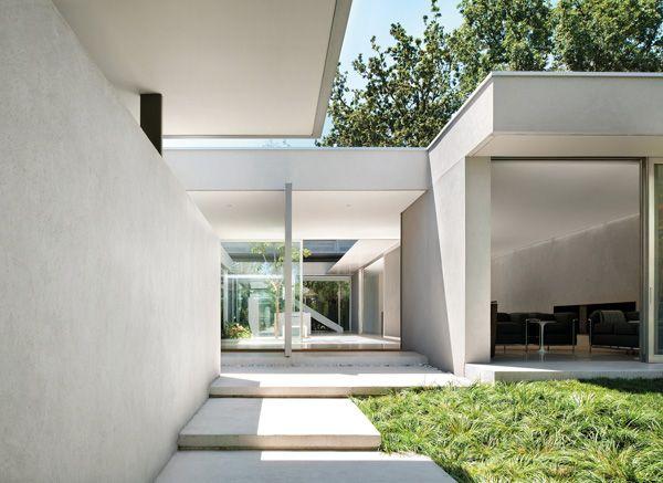 CARR_Courtyard House 01_John Gollings