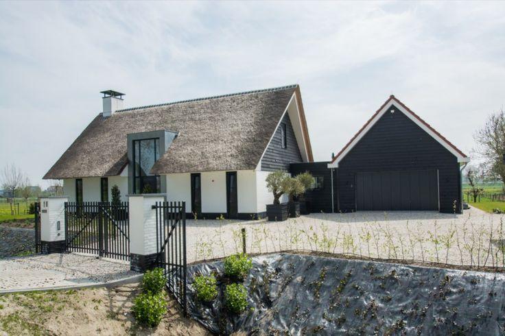 Luxe woonhuis met rieten dak