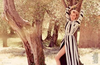 Elle Italia August 2015: Eva Herzigova by David Burton - the Fashion Spot