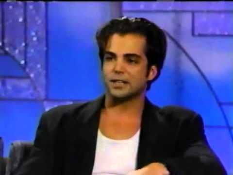1991 The Arsenio Hall Show ( Richard Grieco ) - YouTube