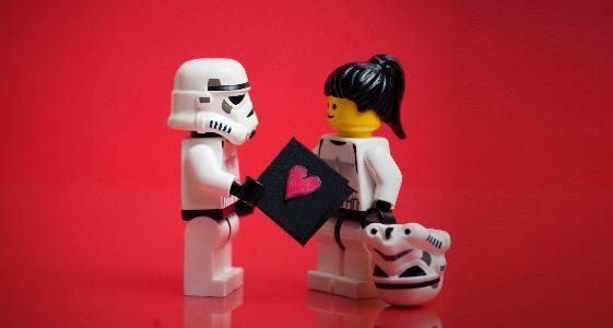 """""""L'engagement des employés, c'est comme les Legos ça se construit !"""" par Anne Pestel >> http://frenchemployerbranding.wordpress.com/2012/08/20/annepestel_marqueemployeur_17/"""