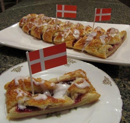 Wienerbrød – Danish PastryBraid with Raspberry Filling