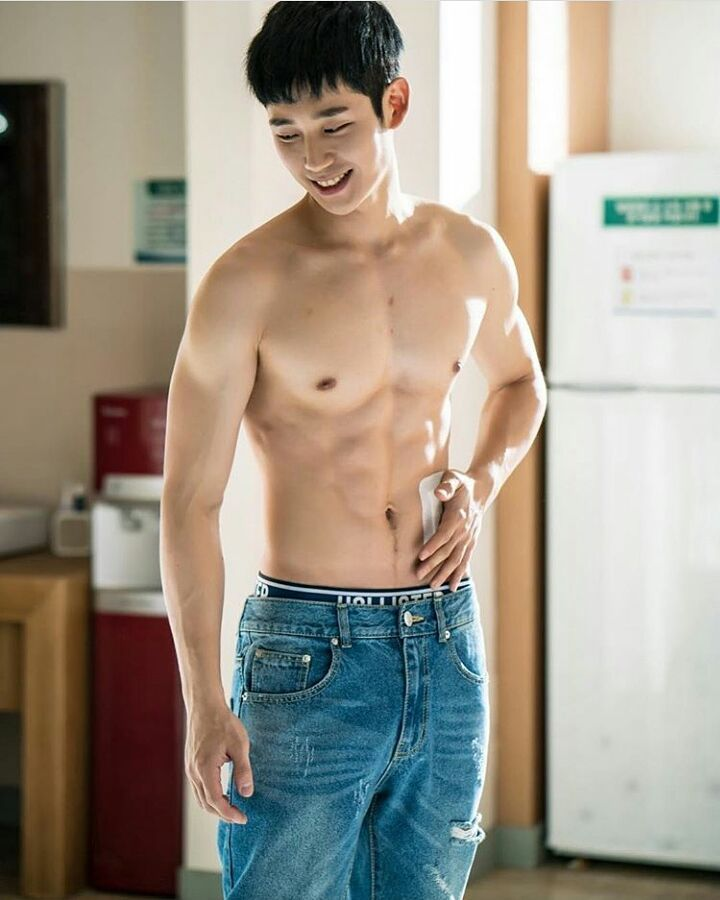 "4,209 Likes, 59 Comments - KdramaKpopKshow (@koreandrramaa) on Instagram: ""Jung Hae In  @holyhaein"""