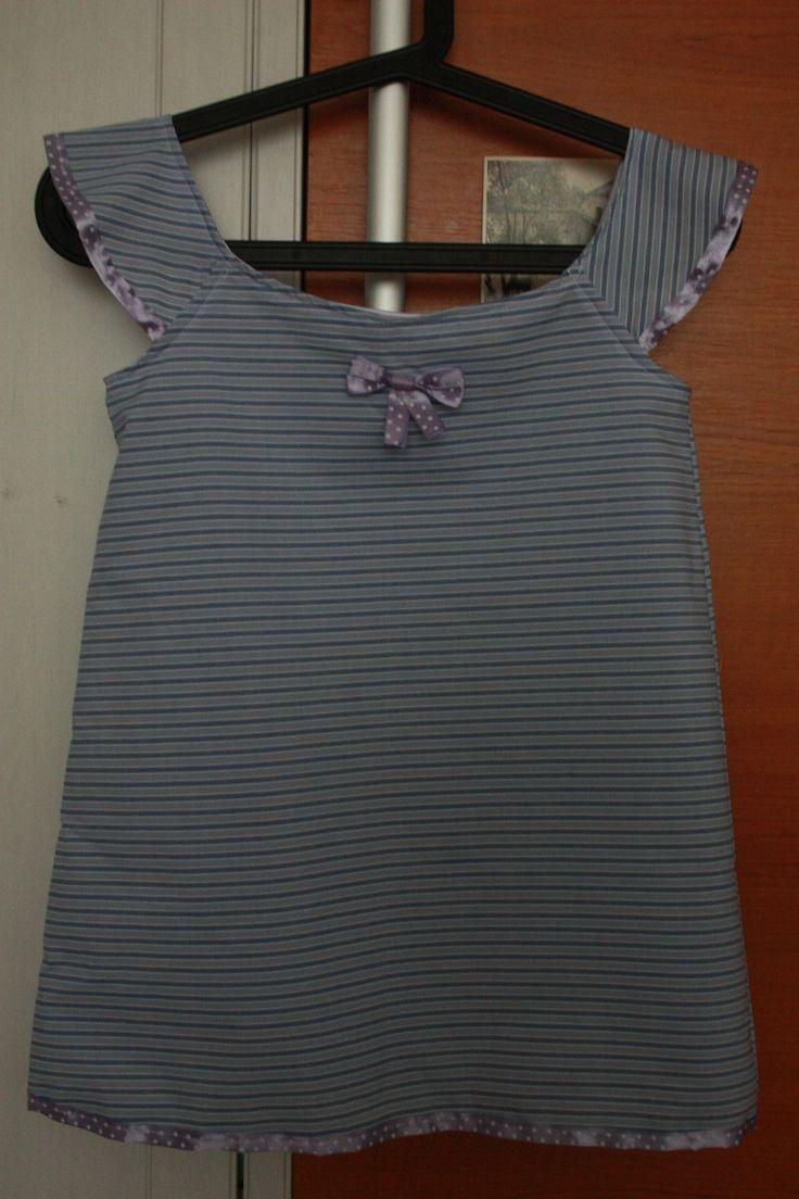 girl summer dress, done with this pattern http://www.itsalwaysautumn.com/2014/06/23/girls-flutter-sleeve-dress-top-sewing-tutorial-free-pattern-4t.html