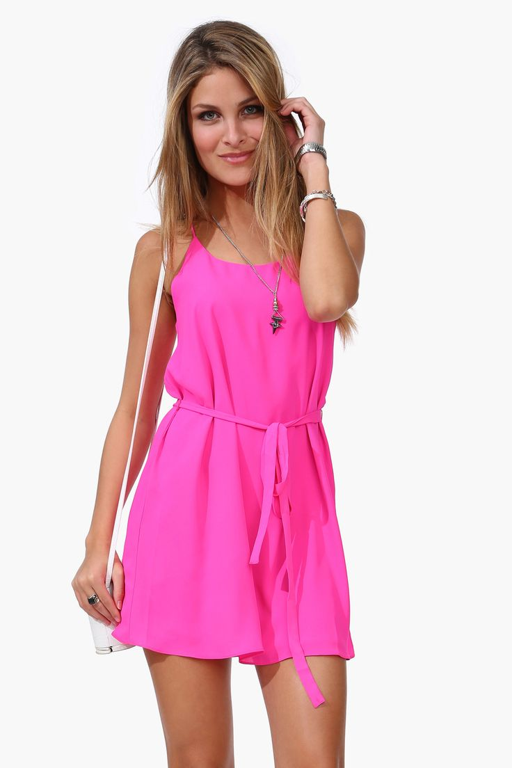 Summer always calls for a little, bright dress: Dresses Shops, Staging Dresses, Summer Dresses, Hot Pink Dresses, Belts Slim, Maine Staging, Woman Dresses, Red Spaghetti, Spaghetti Straps