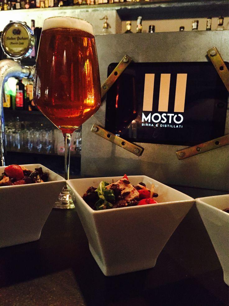 24° nell'ambiente, Riso Venere e Antoniana Altinate alla spina... #mostó facendo l'aperitivo al fresco con una nuova birra! #mosto #agosto #altinate #Antoniana #birra #beer #mostó #birradelgiorno #napoli #beerfestival