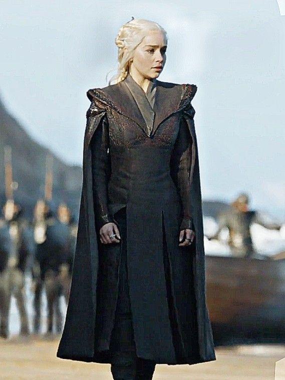 Daenerys Targaryen Game Of Thrones Season 7 Episode 1 Wallpaper Game Of Thrones Costumes Daenerys Targaryen Dress Daenerys Targaryen Season 7 Game of thrones wallpaper daenerys
