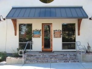 Bangz Hair Salon is a dedicated hair studio in Redding where we offer the fines products and services for your hair. Cal for booking at (530) 242-8847!