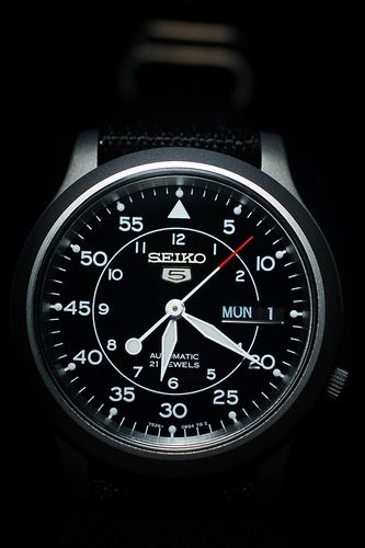 Amazon.com: Seiko Men's SNK809 Seiko 5 Automatic Black Canvas Strap Watch: Seiko: Watches