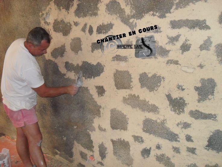 """Imitation Granit noir de Gâtine sur une déco murale. Façon """"pierre vue""""."""