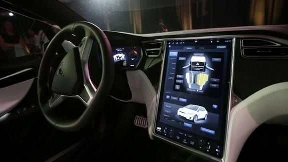 """Elon Musk says Tesla's upgraded Autopilot might arrive next week Read more Technology News Here --> http://digitaltechnologynews.com  Tesla's upgraded Autopilot which will give the company's newer Model S and Model X cars a number of self-driving features might arrive next week.   In a tweet Friday Musk said that the company """"might be ready to rollout most of Autopilot functionality for HW2 towards the end of next week.""""  SEE ALSO: Elon Musk seems serious about creating a boring company to…"""