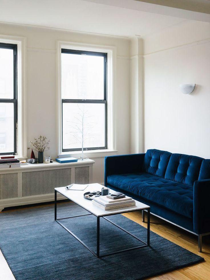 blue velvet couch sofa blauwe fluwelen bank velours