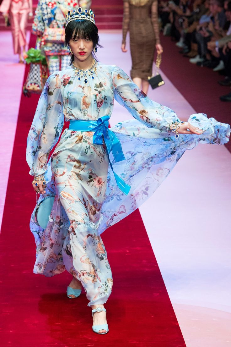 Dolce & Gabbana Spring 2018 Ready-to-Wear Fashion Show - Sora Choi