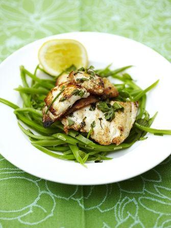 Sole limón con las habas de corredor | Recetas de pescado | Jamie Oliver