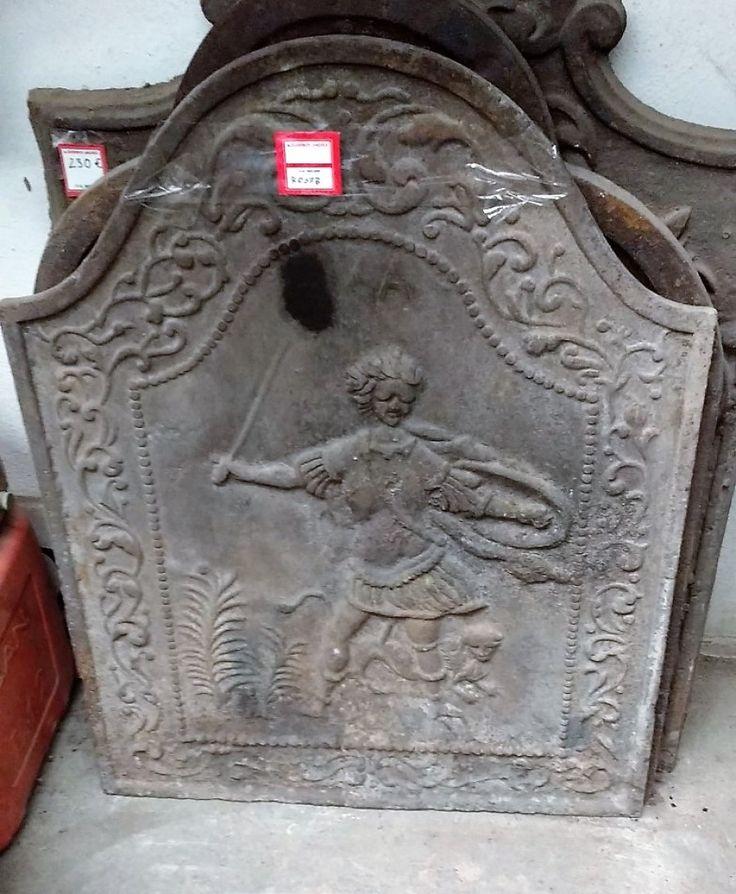 Placa Reflectora De Chimenea Antigua  ◄►  Antigua plancha o chapa de hierro, de fundición, decorativa, para chimeneas antiguas. ◄►  Dimensiones: 66,5x50cm ◄►  Ref: R0678  ◄►  Realizamos envíos  ◄►  Comparte en tu red social   ◄►  P.V.P 195€