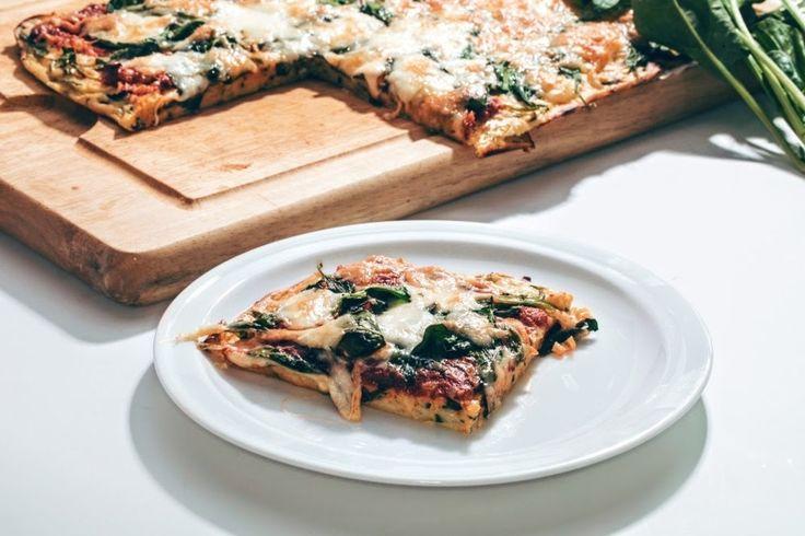 Pizza je taliansky vynález, ktorý si môžete pripraviť doma a podľa vlastnej chuti. Vyskúšajte pridať na cesto cuketu.