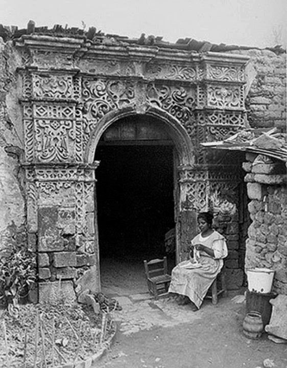 Ruinas de la antigua Ermita de San Antonio, Tlalpan, ca. 1910.