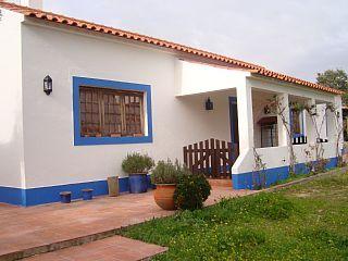 Acolhedora casa rústica com piscina privada numa propriedade com 75.000M2Aluguer de f�rias em Arraiolos da @HomeAway Portugal
