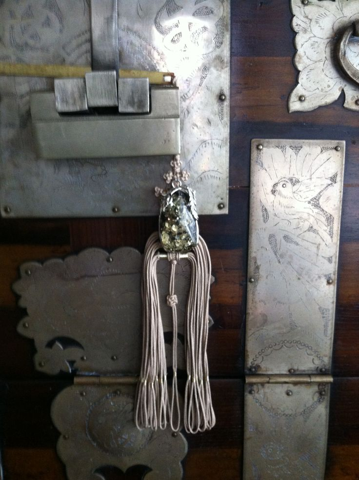 Korean tassel and metal hardware