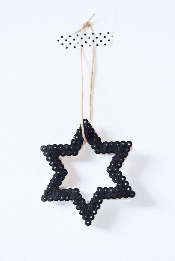 Belle étoile de Noël pour une déco ou un pendentif.