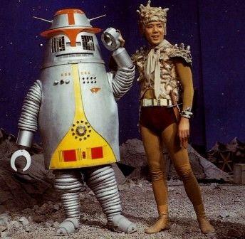 ロボット ハックとキケロ星人 ジョー (演:小林 稔侍)