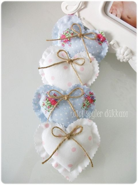 Pretty little blue & white quilted hearts... inspiration pequeños corazones