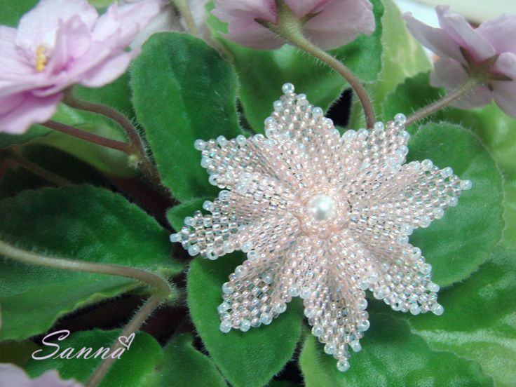 Брошь Platycodon grandiflorus, или ширококолокольчик | biser.info - всё о бисере и бисерном творчестве