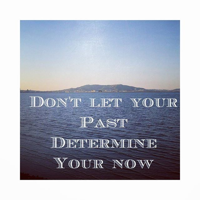 Don't let your past determine your now #mondaymotivation I have been thinking about this a bit today. #reflection #businessgoals #colourmyworld