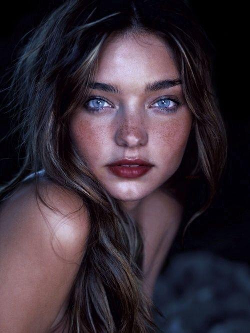 Miranda Kerr natural makeup