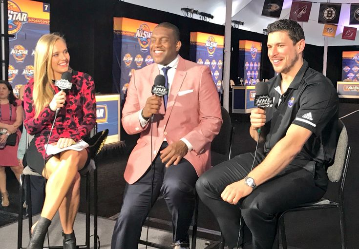 Sidney Crosby does press at the 2018 NHL All-Star game