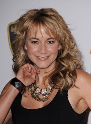 Megyn Price - love her hairstyle