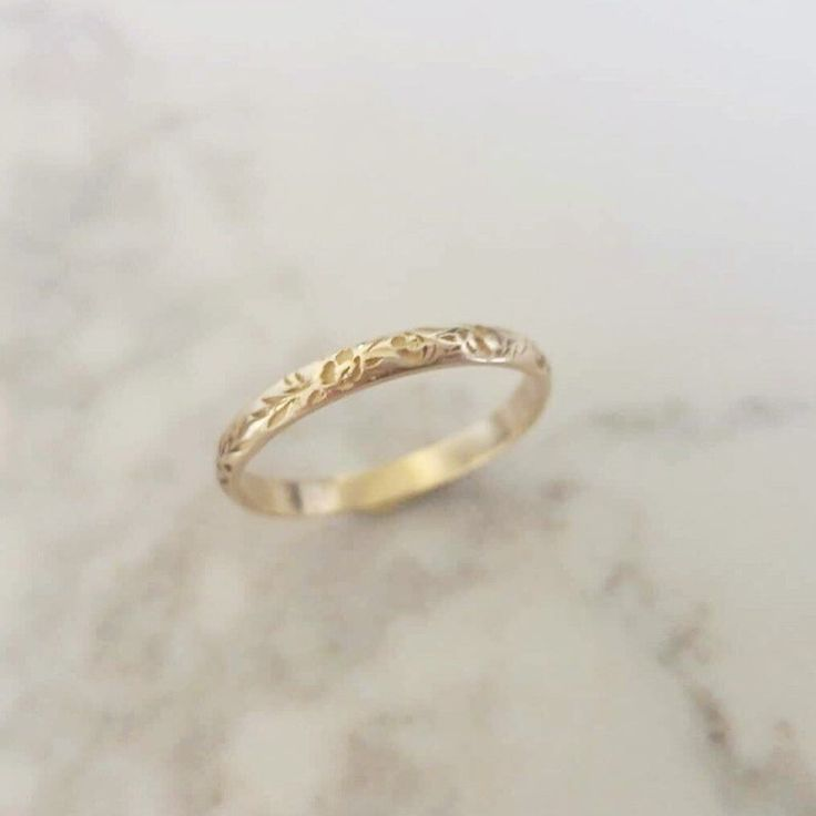 Thin Floral Wedding Band Flower Wedding Band Vintage Style Floral Ring For Women Personalized Valentine S Day Gift Unique Gold Wedding Rings Floral Wedding Bands 14k Gold Wedding Ring
