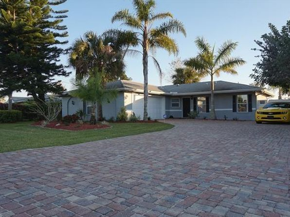 Sprinkler installation, Sprinkler repair, Roos Bros handles all your Sprinkler Fort Myers Fl needs in the Fort Myers Fl area we are just a phone call away. visit http://www.roosbrosinc.com/service/sprinkler-fort-myers-fl/
