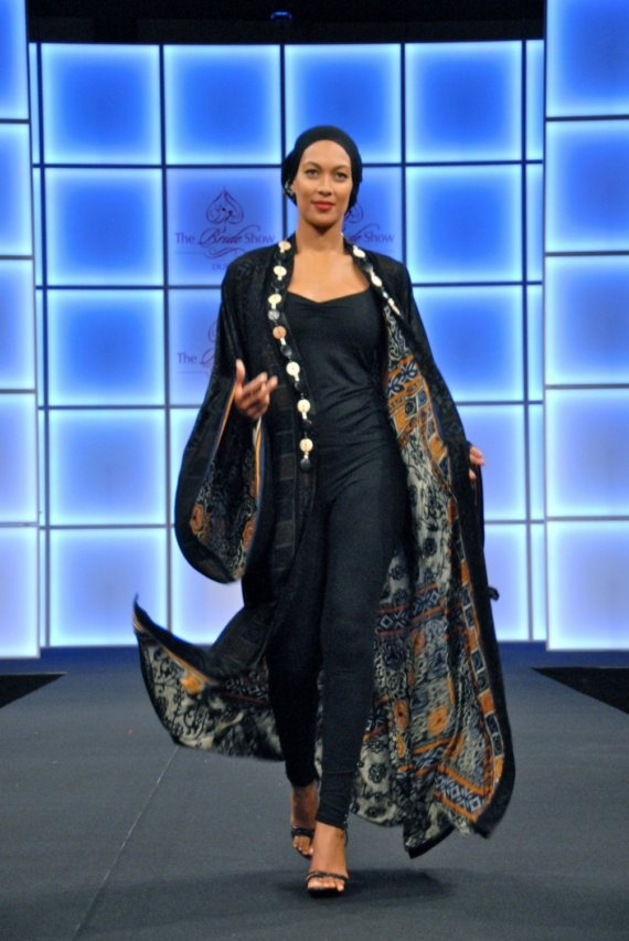 Kimono Double Sided Abaya - <3 d double sided and loose sleeves concept but not d way it's worn.