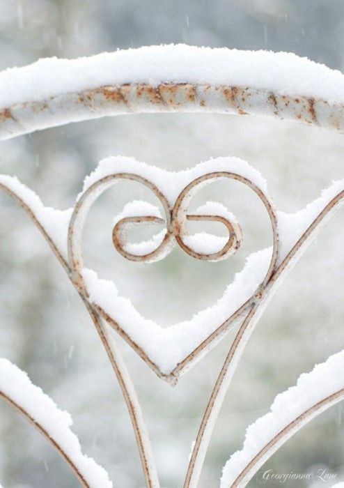 loveWinter Snow, Valentine Day, Heart Shape, Winter Wonderland, White Christmas, Wrought Iron, Chairs Back, Snow Art, Iron Gates