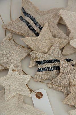 Cute burlap ornaments.: Stars Ornaments, Grains Sacks, Modern Country, Linens Stars, Burlap Stars, Sacks Stars, Burlap Ornaments, Stars Garlands, Vintage Linen