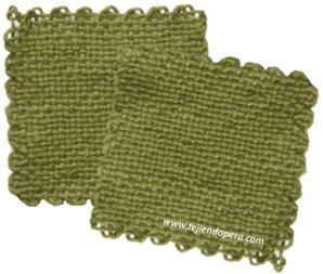 Pastillas tejidas en telar de mesa cuadrado
