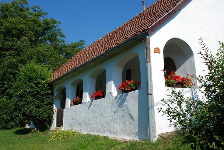 Parasztházak - Tornácos parasztház és portája - Bükkösd - Dunántúl - Hungary