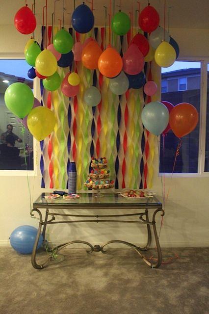 Kids party:  balloon decoration