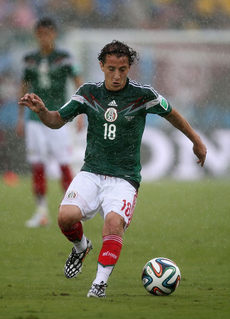 Andres Guardado of Mexico controls the ball during the 2014 FIFA World Cup Brazil Group A match between Mexico and Cameroon at Estadio das Dunas on June 13, 2014 in Natal, Brazil.