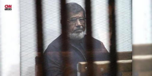 Mursi'den 'Vatanım ve dinim için buradayım' mesajı: Mısır'da ülkenin demokratik yollarla seçilmiş Cumhurbaşkanı Mursi, hapishaneden gönderdiği mesajda, 4 yıl önceki askeri darbe ve sonrasındaki uygulamalarla ilgili tutumunun değişmediğini belirtti.
