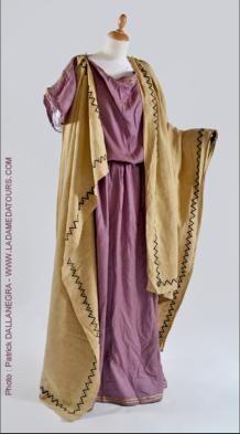 Patricienne romaine lin 2ème siècle                                                                                                                                                      Plus
