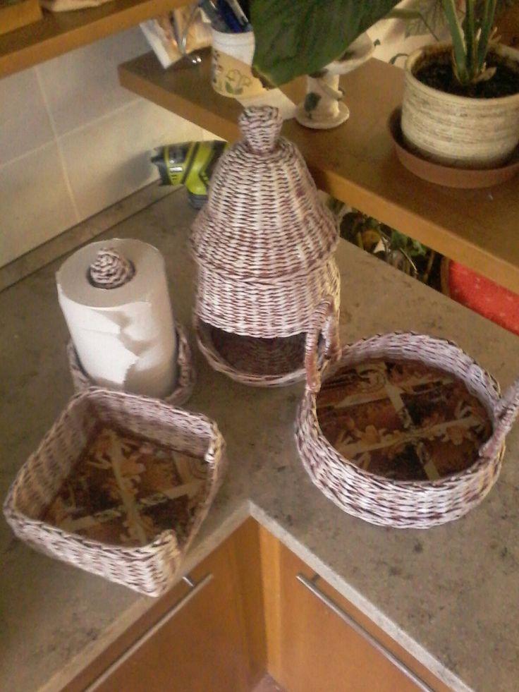 Do kuchyně,na cibuli,papírové ručníky,ubrousky a na ovoce