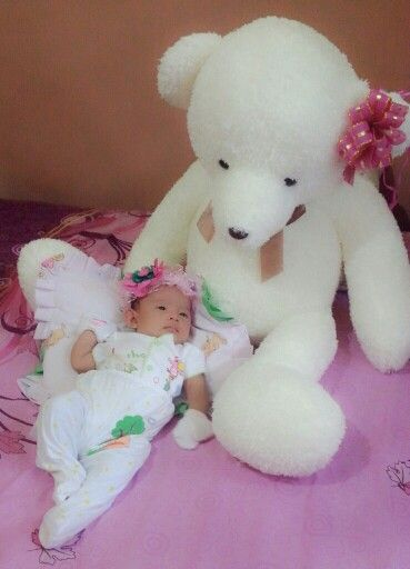 Leeka and the bear