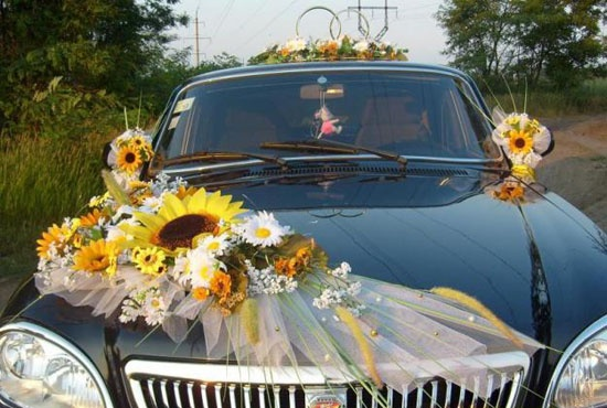 3 Thehuge Sunflower And Gerberras Weddings Before During And