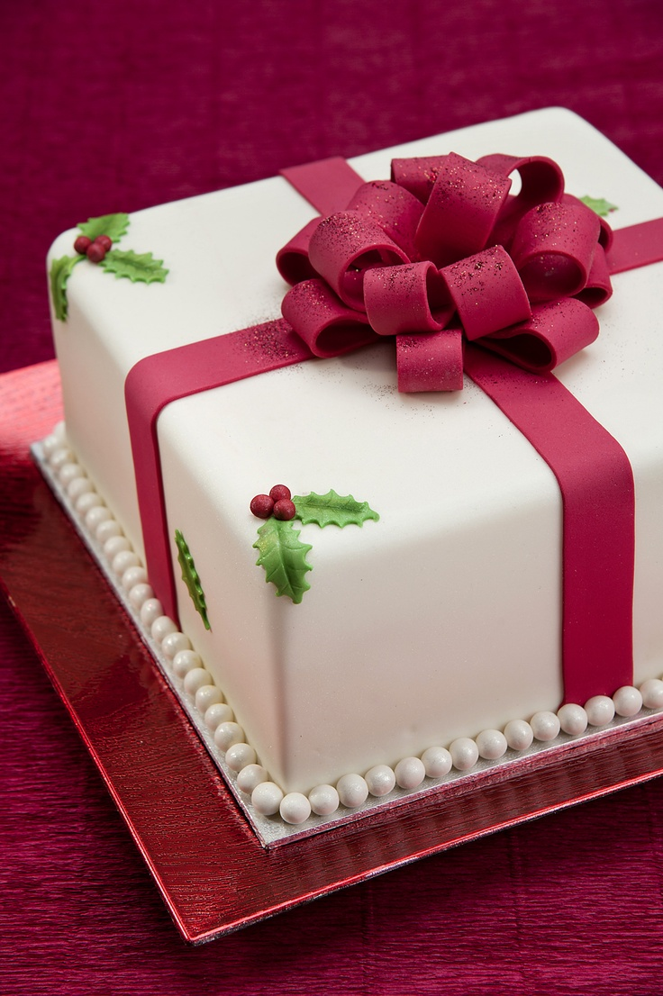 247 best Christmas cakes images on Pinterest Christmas cakes