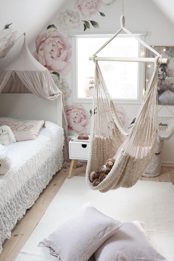 Inspiration from Instagram -Tesse @villaskogshuset - pastel girls room ideas, pink and grey girls room design, kidsroom decor, girls kidsroom, powder room, nursery decor, nursery interior